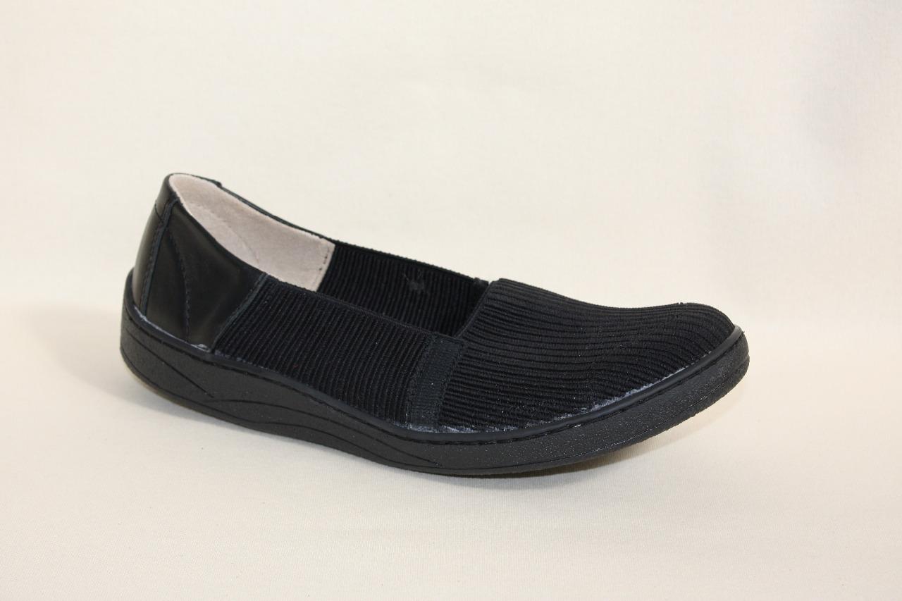2665ca656f40 Dámská obuv s biomechanickou vsuvkou na nártu obuvi. Vzor  IQ mokasína streč.  Velikosti  35 - 42. Použité materiály  streč. Barva  černý streč